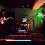 《イベント・レポート》バンド・空間現代のレパートリー・ライブ作品『オルガン』について